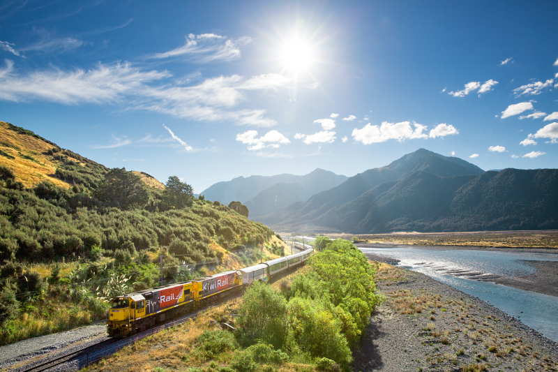 Christchurch to Arthur's Pass Travelling the Waimakariri River